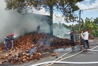 Cháy cơ sở sản xuất chỉ xơ dừa
