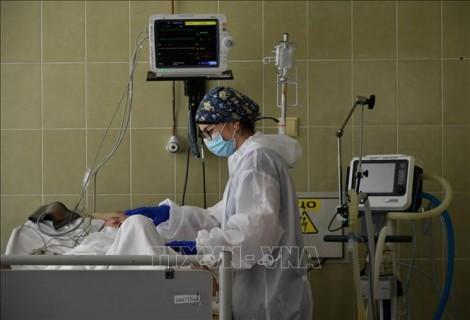 Số bệnh nhân phải nhập viện tại Ukraine tăng cao kỷ lục