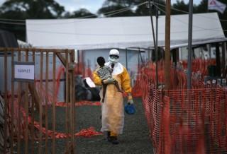 Châu Phi ghi nhận 13 trường hợp tử vong vì dịch Ebola