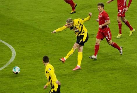 Haaland gọi, Lewandowski đáp lại mạnh mẽ