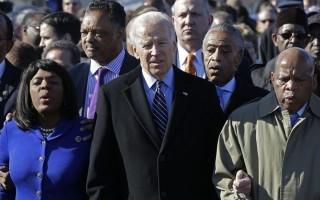 Tổng thống Biden ký ban hành sắc lệnh tạo thuận lợi cho người dân Mỹ đi bầu cử