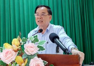 Chủ tịch UBND tỉnh Trần Ngọc Tam làm việc với Huyện ủy Mỏ Cày Bắc và Ba Tri