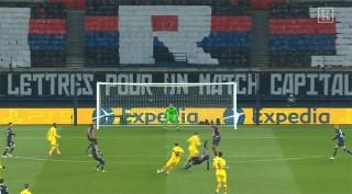 Messi đá hỏng 11m, Barca dừng bước ở vòng 1/8