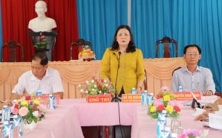 Phó bí thư Thường trực Tỉnh ủy Hồ Thị Hoàng Yến làm việc với Huyện ủy Mỏ Cày Nam