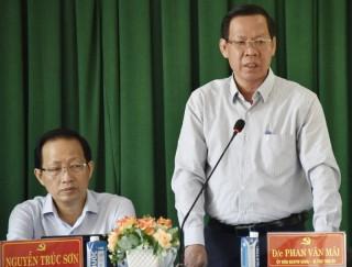 Bí thư Tỉnh ủy Phan Văn Mãi làm việc với Huyện ủy Chợ Lách
