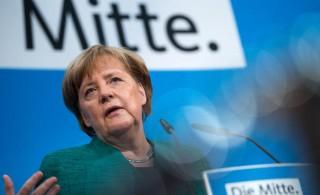 Đảng của bà Merkel biến động trước cuộc bầu cử quan trọng tại Đức