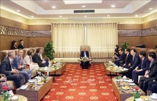 Thủ tướng Nguyễn Xuân Phúc tiếp các đối tác bên lề Hội nghị về Đồng bằng Sông Cửu Long