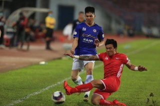 Hà Nội FC có chiến thắng giải tỏa, SHB Đà Nẵng chiếm lĩnh ngôi đầu