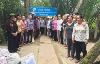 Hội Liên hiệp Phụ nữ xã Lương Quới tham gia xây dựng đảng, xây dựng chính quyền