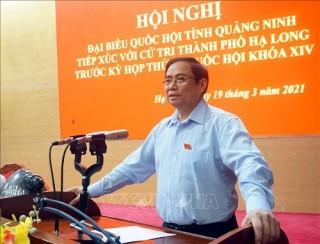 Đồng chí Phạm Minh Chính tiếp xúc cử tri thành phố Hạ Long