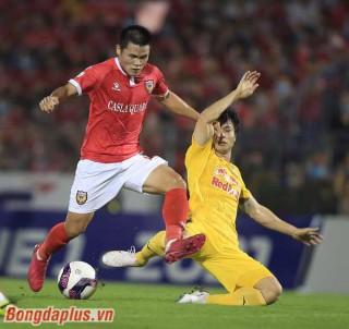 Kiatisak bị ngắt mạch thắng bởi Mourinho Việt Nam