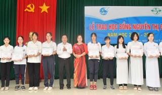 Hội Liên hiệp Phụ nữ tỉnh trao học bổng Nguyễn Thị Định