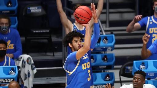 Johnny Juzang cháy hơn đuốc, giúp UCLA viết tiếp bất ngờ tại NCAA Tournament