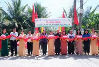 Phó bí thư Thường trực Tỉnh ủy dự khánh thành cầu tại huyện Thạnh Phú