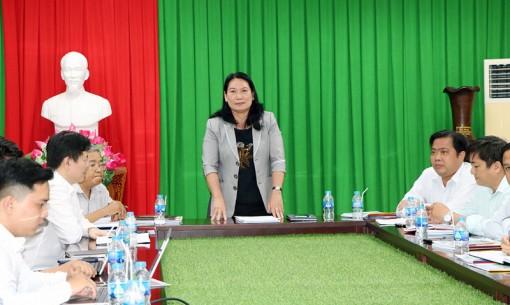 Phó chủ tịch UBND tỉnh Nguyễn Thị Bé Mười tiếp và làm việc với Công ty TNHH Hệ thống Thông minh