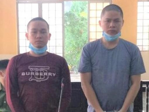 Đánh người gây thương tích, 2 bị cáo ra tòa lãnh án
