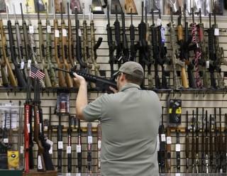 Tổng thống Mỹ công bố các biện pháp kiểm soát súng đạn có giới hạn