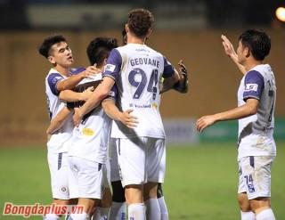 Quang Hải giúp Hà Nội thoát khủng hoảng
