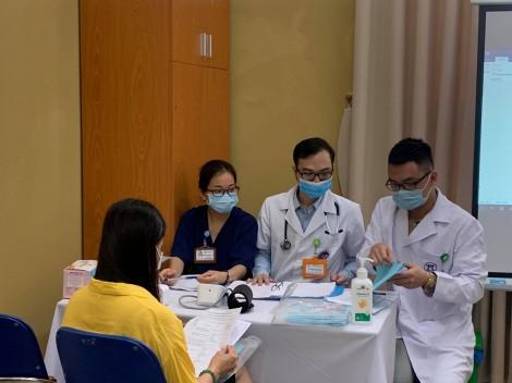 6 người đầu tiên tiêm thử nghiệm mũi 2 vacine COVIVAC của Việt Nam