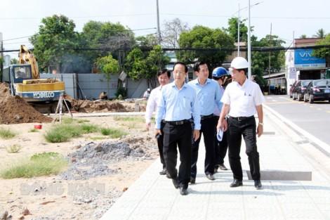 Phó chủ tịch Thường trực UBND tỉnh khảo sát các dự án phát triển đô thị TP. Bến Tre