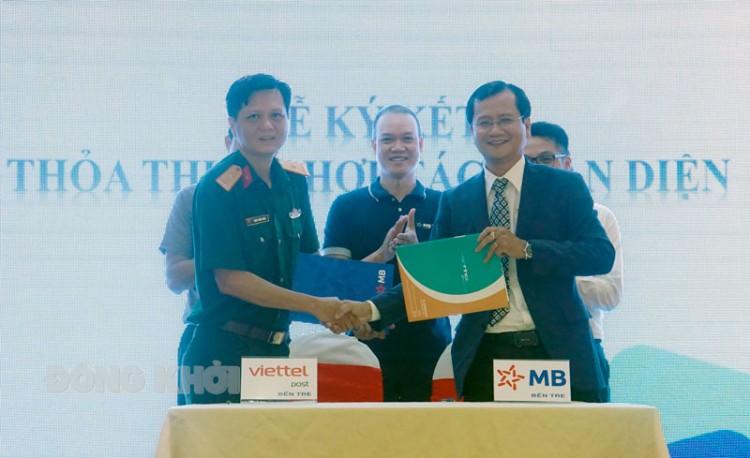 Ngân hàng TMCP Quân đội Chi nhánh Bến Tre và Chi nhánh Bưu chính Viettel Bến Tre ký kết hợp tác toàn diện