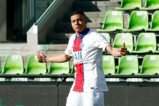 Mbappe lập cú đúp, PSG tạm chiếm ngôi đầu Ligue 1