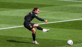 Griezmann thay Messi 'gánh team'