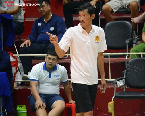Thắng đội bóng cũ, HLV Trần Văn Triều đưa CA.TPHCM vào vòng chung kết hạng A năm 2021