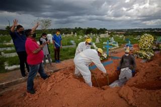 Thế giới gần 3,2 triệu ca tử vong; Ấn Độ và Brazil thành tâm dịch mới