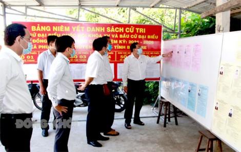 Chủ tịch UBND tỉnh kiểm tra công tác chuẩn bị bầu cử tại huyện Ba Tri