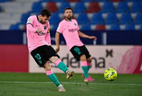 Barca đánh rơi chiến thắng ở La Liga