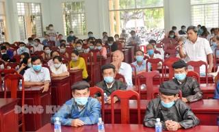 Ứng cử viên đại biểu Quốc hội và HĐND tỉnh tiếp xúc cử tri huyện Ba Tri