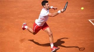 Djokovic lần thứ 15 vào tứ kết ở Rome
