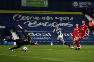 Alisson cứu hy vọng top 4, Tottenham leo lên thứ 6