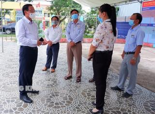 Bí thư Tỉnh ủy Phan Văn Mãi kiểm tra công tác bầu cử tại Thạnh Phú