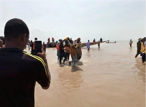 Vụ chìm thuyền ở Nigeria khiến hơn 70 người thiệt mạng