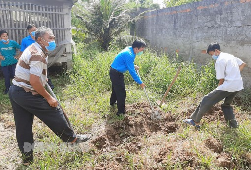 Thạnh Phú thực hiện các công trình công nhân