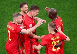 Lukaku tỏa sáng với cú đúp bàn thắng, Đan Mạch thua trận ngày ra quân