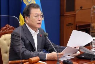 Hàn Quốc cam kết hỗ trợ tài chính giúp các nước nghèo mua vaccine