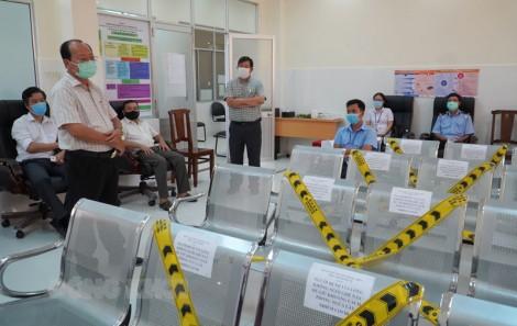 Giám sát công tác tiêm chủng vắc-xin phòng Covid-19