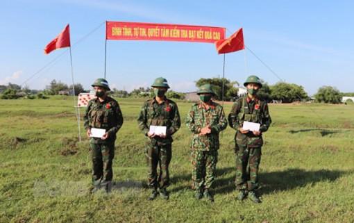 Cụm thi đua 4 phòng và Trung đoàn 895 sơ kết thi đua 6 tháng