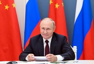Tổng thống Putin quan ngại việc NATO tăng cường 'liên kết quân sự' với Ukraine