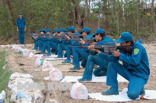 Thạnh Phú xây dựng và huấn luyện dân quân biển năm 2021