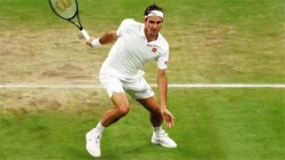 Federer xô đổ kỷ lục của Rosewall ở Wimbledon