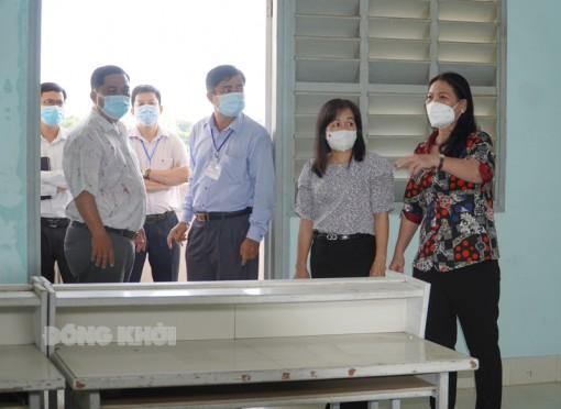 Kiểm tra công tác thi tại huyện Bình Đại, Châu Thành