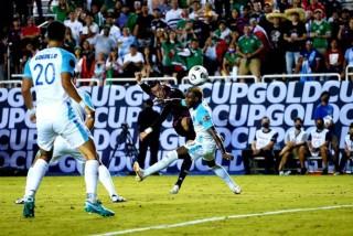 ĐKVĐ Mexico thắng trận đầu