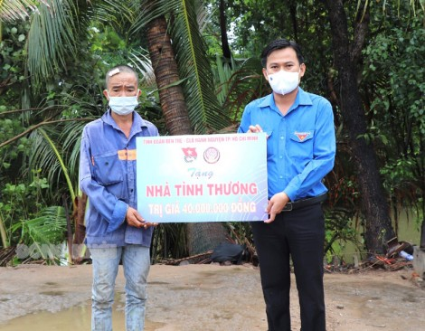 Tỉnh Đoàn hỗ trợ kinh phí xây nhà cho anh Ngô Văn Sang