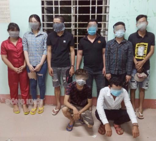 Bắt nhóm đối tượng vi phạm quy định về phòng, chống dịch Covid-19
