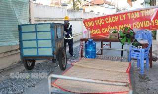 Công nhân vệ sinh làm việc xuyên suốt trong thời gian giãn cách xã hội