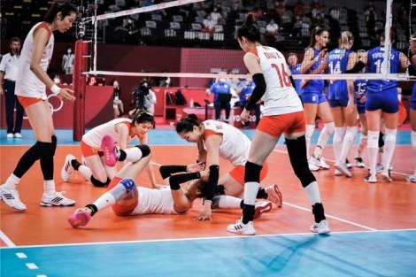 Đánh rơi cơ hội trước ROC, tuyển bóng chuyền nữ Trung Quốc bước một chân về nước